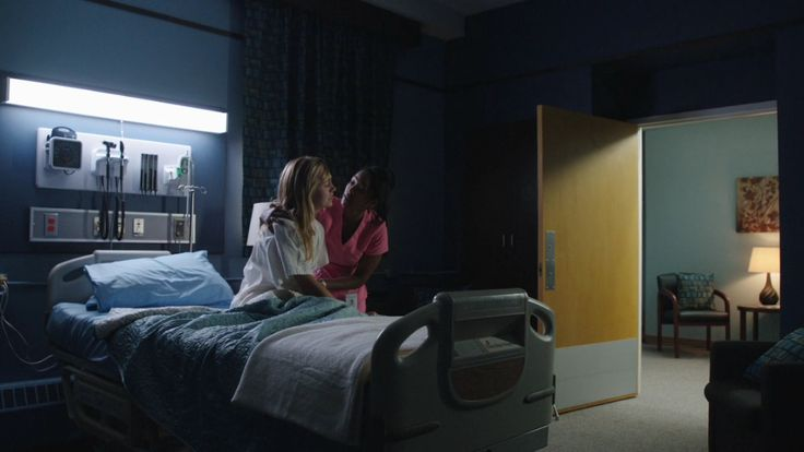Heartland - Season 7, Episode 10 - Amy's injury / Amy in the hospital - Amy calls out for Ty