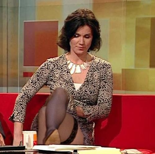 image British milf jane bond frigs her fanny in the study