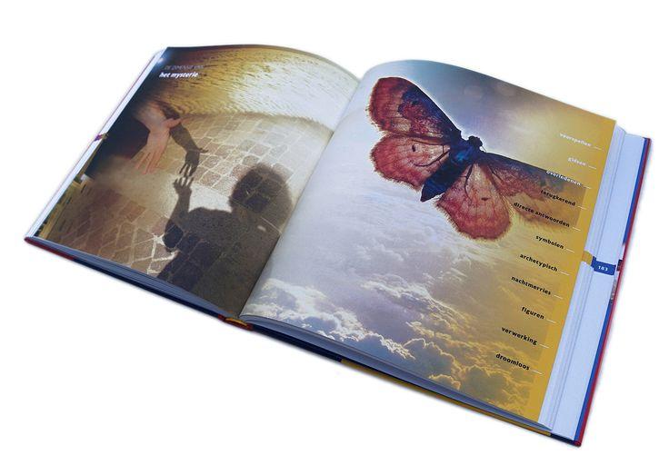 Voor het boek 'De Nachtelijke reis' van Uitgeverij ITIP heb ik, naast ontwerp en lay-out, ook de illustraties gemaakt. Het zijn collages en bewerkingen van mijn fotomateriaal. Ze verbeelden de reis langs de verschillende dimensies van de droom.