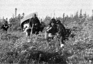Famille Innue  en expédition de pêche dans le Domaine Montagnais Québec