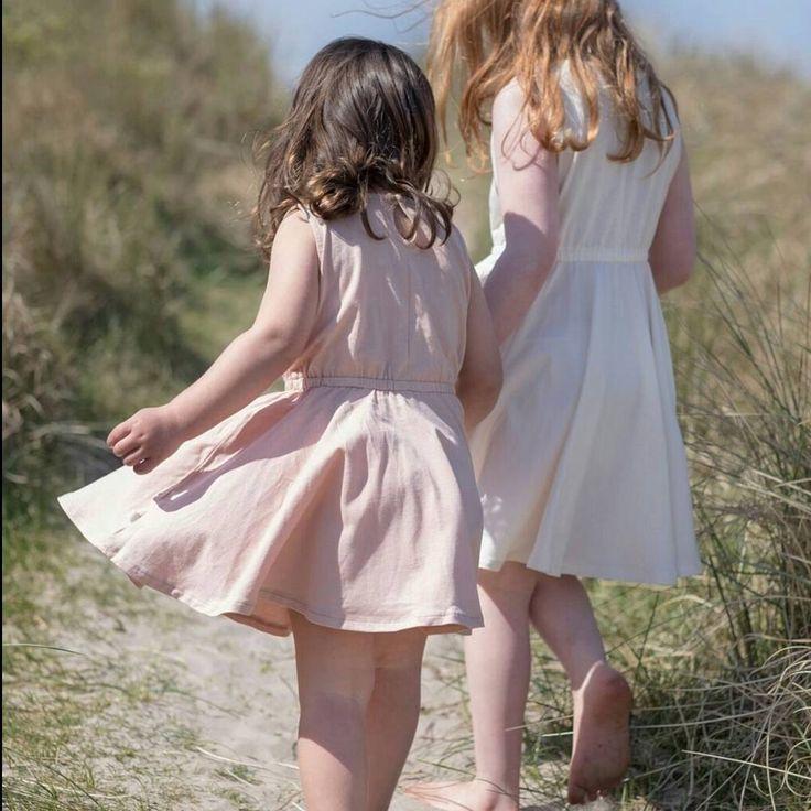 """143 Likes, 7 Comments - Magnifique Online Kids Store (@makoowka_pl) on Instagram: """"Hello weekend 💕 sukienki, które małe dziewczynki pokochają 💕 dół uszyty z koła więc można tańczyć…"""" @makoowka  www.minimalisma.com"""