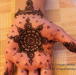gorgeous!! my favorite palm design yet.