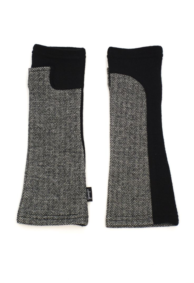 Black and white herringbone knit arm warmers by Jennifer Fukushima.  The perfect knit gloves to complete any outfit!