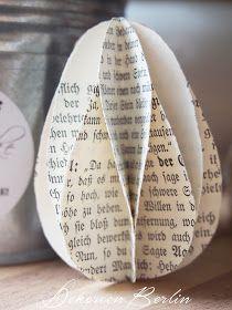 Ostereier aus Buchseiten
