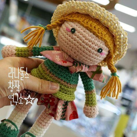 #LANAdolls #handmade #craft #crochetdoll #amigurumi #knitting #knittingdoll #girl #라나돌스창작연구소 #라나돌스 #손뜨개인형 #코바늘인형 #핸드메이드 #아미구루미 #귀여워 #인형만들기 #인형스타그램 #니팅돌 #대바늘인형 #화곡동 #오아시스안경원 #소녀 by lana_choi1229