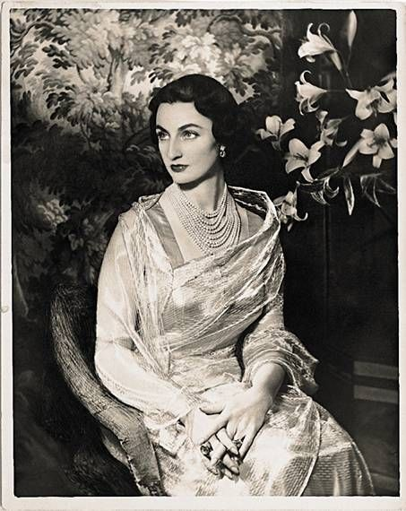 Princess Durrushevar, daughter of Abdulmecid II, the last Ottoman emperor, c. 1940. Married to Azam Jah, eldest son of the seventh and last Nizam of Hyderabad, Mir Osman Ali Khan - Hyderabad 1946© John Fasal Collection/ Photography by Prudence Cuming Associates