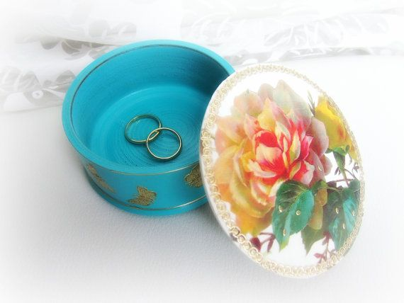 Floral ring bearer box  round wood ring bearer box by GattyGatty