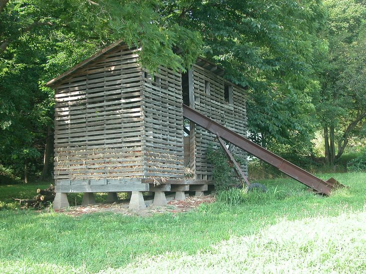 Delightful Monroe County Corn Crib Still In Use Good Ideas