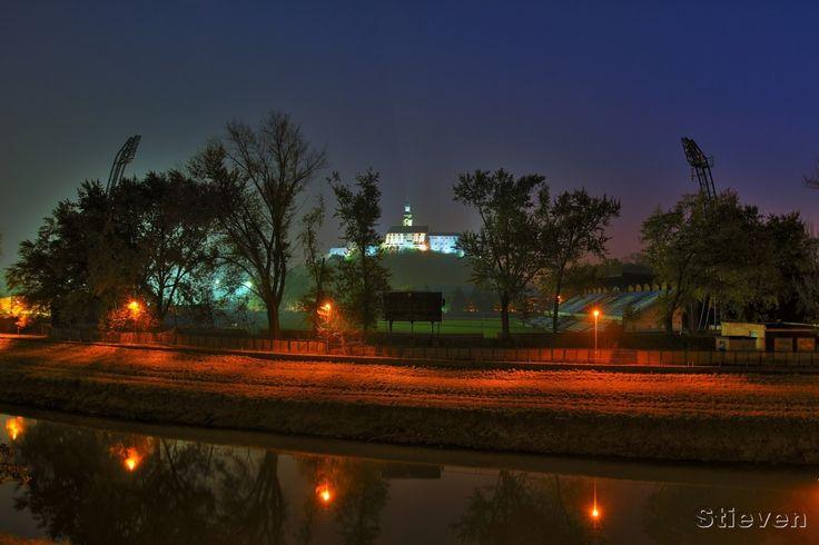 *-*Nočné foto -Nitra