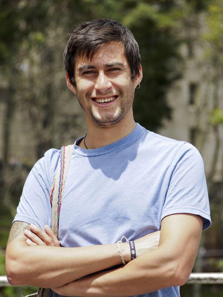 Daniel Alejandro Castelblanco Mendoza, literato, apasionado por la literatura indígena que lo llevo a ser becado como joven investigador.