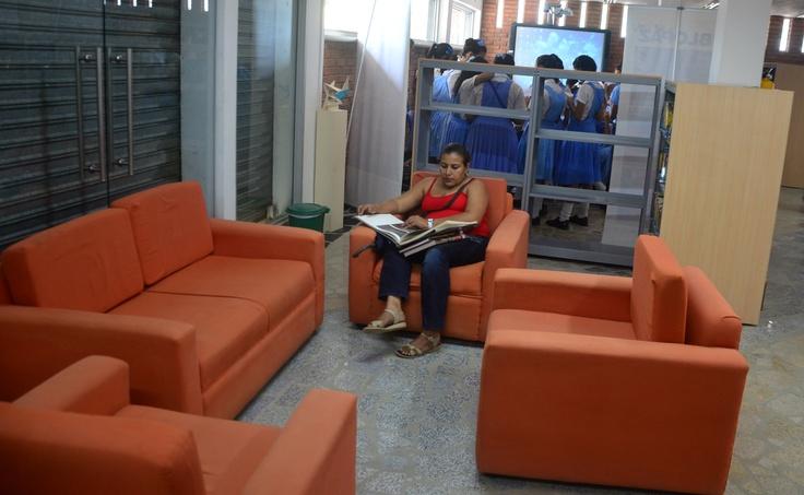 @CulturAlbergues inivta a conocer La Paz, biblioteca de B/Quilla.