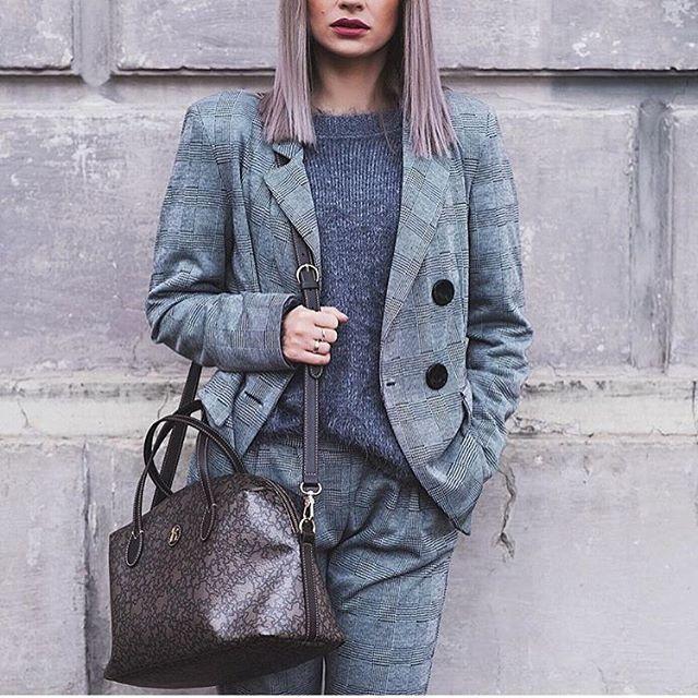 Cudowna @gosiabednarczuk w naszym garniturze w kratę 😱❤️ Wygląda cudnie! Trwa RABAT -20% na sukienki 🔥🔥 www.mosquito.pl #suit #garnitur #inlove #polishgirl #girl #fashion #style #amazing #great #ootd #skleponline #shopping #shop #mosquitopl #zakuponline #blogger