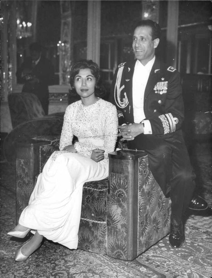 1000 images about persia on pinterest achaemenid for Shah bano farah pahlavi
