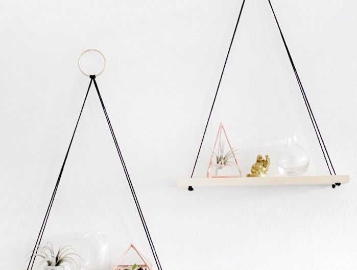 etagere-suspendue-etageres-suspendues-meubles-suspendus-a-suspendre-salle-de-bain-tissu-bois-crochet-diy-idee-deco