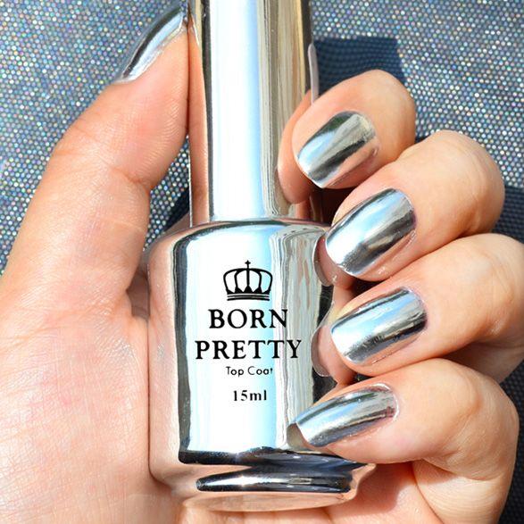A nova tendência para unhas é o efeito espelhado. Para conseguir o efeito, a marca de esmaltes Born Pretty lançou o esmalte Mirror Nails.