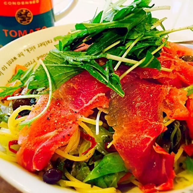ペペロンチーノが好きすぎて、改良に改良を重ねたペペロンチーノ^ ^ 自分の大好きな生ハムと水菜をメインにした激辛ペペロンチーノです ハラペーニョピクルスがあれば尚良し! - 102件のもぐもぐ - 生ハムと水菜のペペロンチーノ by miku