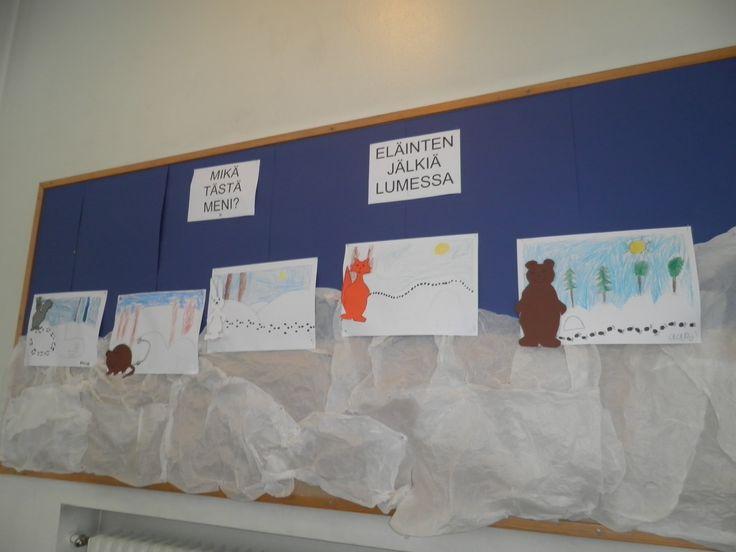 Tutkimme eri eläinten jälkiä lumessa. Jokainen sai piirtää jonkin eläimen jäljet valmiiksi tekemäämme maisemaan. Lopuksi lisättiin eläin. Eläimet olivat värityskuvina.