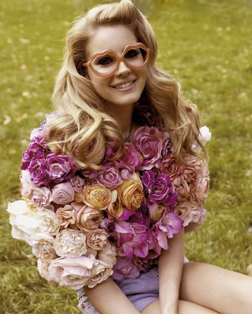 Glasses and flowers: Lanadelrey, Lana Del Rey, Rose, Fashion, Style, Woolen Ray, Hair, Flower, Floral