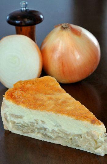 Receita de quiche de cebola. http://gnt.globo.com/receitas/receitas/quiche-de-cebola.htm