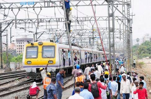 Mumbai suburban services to remain affected on Sunday due to mega block - The Times of India