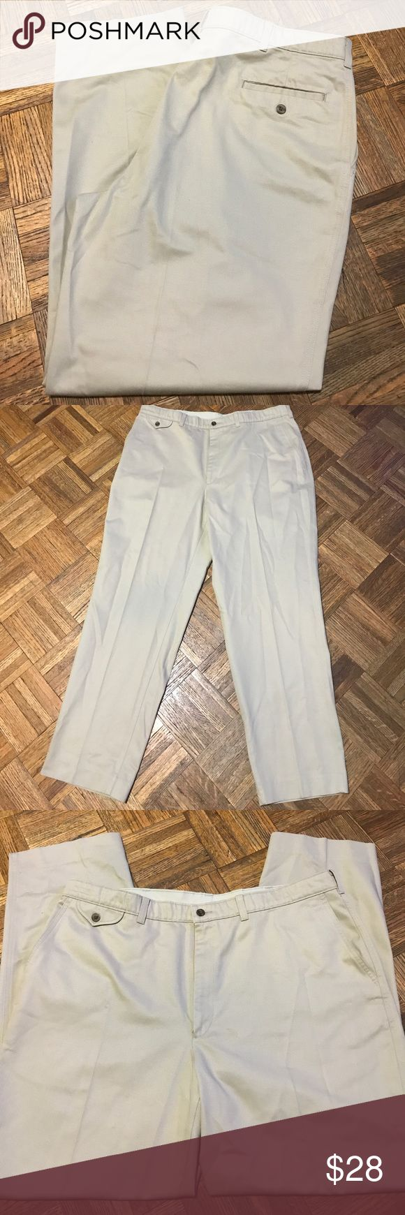 Savane Men's Scotchgard Pants Size 40X32 This is a pair of scotchgard pants that are in great condition. Size 40X32 Savane Pants