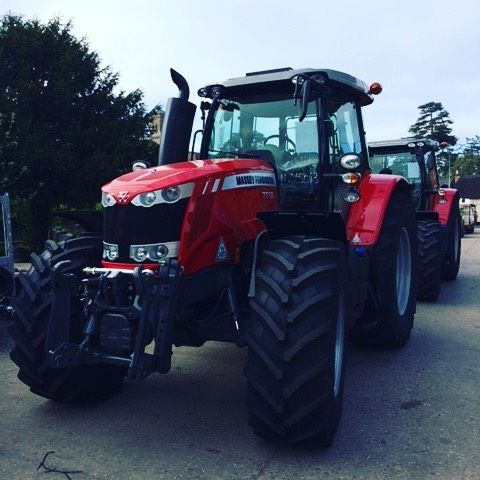 """34 Likes, 1 Comments - Candotractors (@candotractors) on Instagram: """"The first Massey Ferguson tractors arrive at C&O Wilton. #candotractors #candomasseyferguson…"""""""