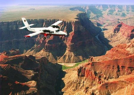 Google Image Result for http://www.grandcanyon123.com/images/grand-canyon-airplane-tours-from-las-vegas-01.jpg