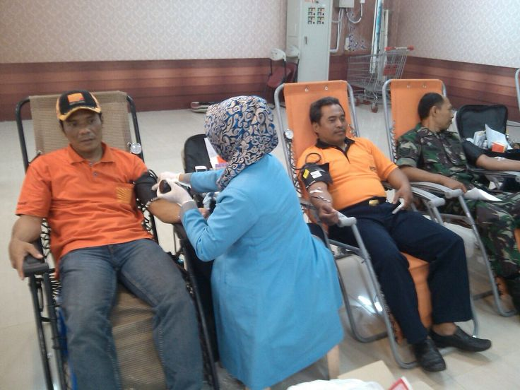 "(DPK Surabaya) Kali ini GAFATAR DPK Surabaya dan Kodim 0830 Surabaya Utara menggelar acara donor darah dengan Tema ""Darahku Bukti Cinta Untuk Sesama"", acara berlangsung pada tgl 23 September 2014, di BG Junction Mall, jl. Bubutan, Surabaya."