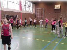 Chinese Muur - www.activitheek.nl Een variatie op gewoon normaal tikkertje; we vormen een Chinese muur!