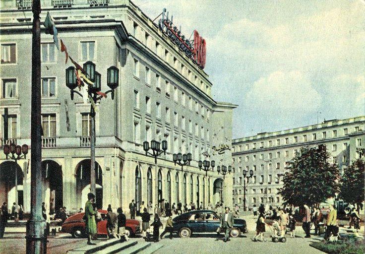 Plac Centralny, 1964