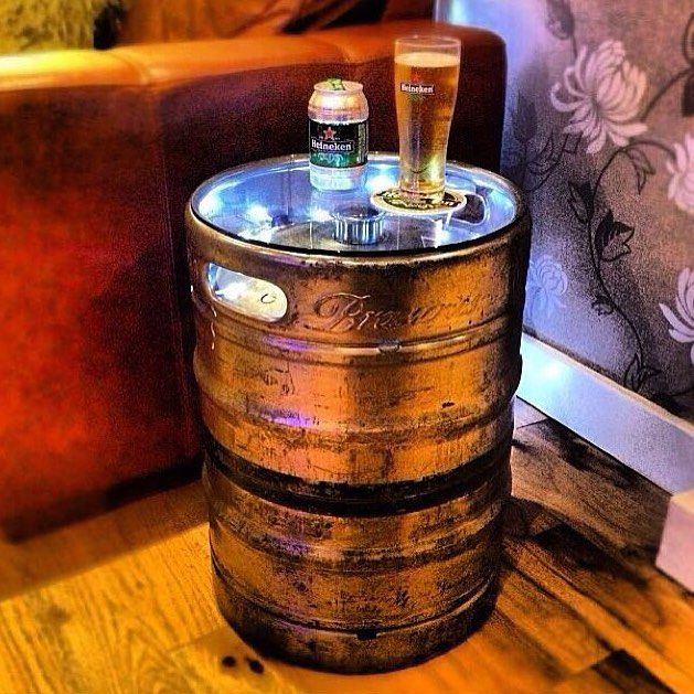 Inspiração: Mesa lateral feita com barril de chopp. Gostamos tanto que já…                                                                                                                                                     Mais