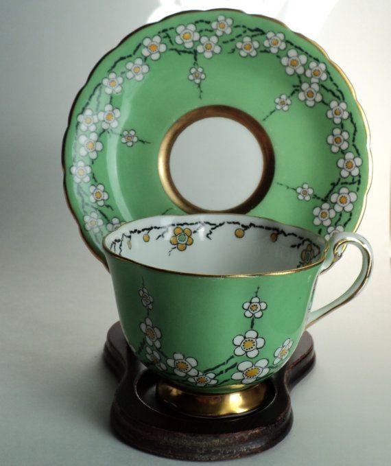 Vintage Royal Chelsea Green Tea Cup