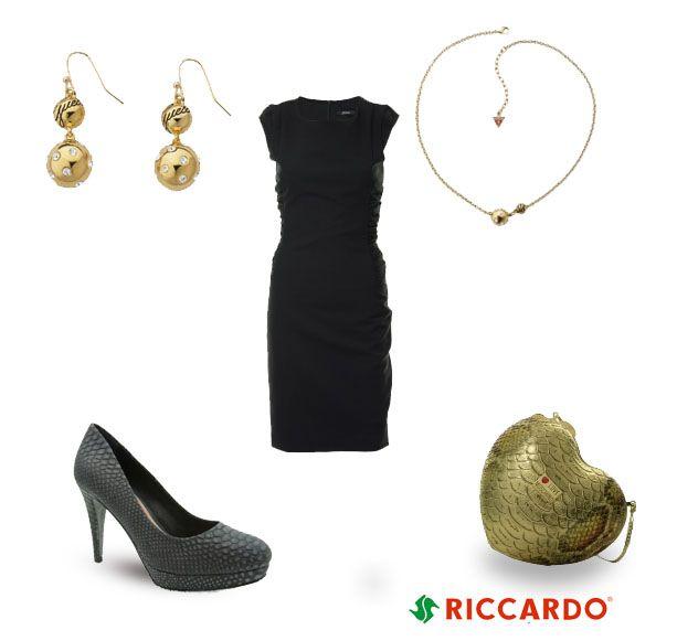 Little black dress plus Love Moschno heart purse and snake skin heels equals perfect! #littleblackdress #snakeskin #heels #outfit #classy #elegant #smart #dress