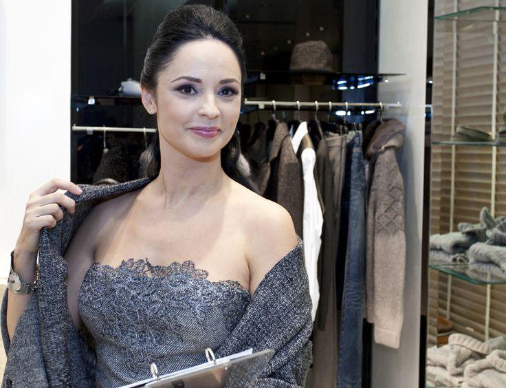 Andreea Marin poarta bijuterii de 75.000 de euro la un eveniment!