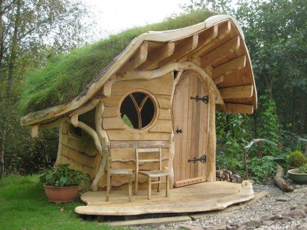 Ein Wood-Oak-House - mehr geht nicht für Garten-Individualisten! Von Eurer Glücksbiene gefunden bei  Quelle: 1001gardens.org
