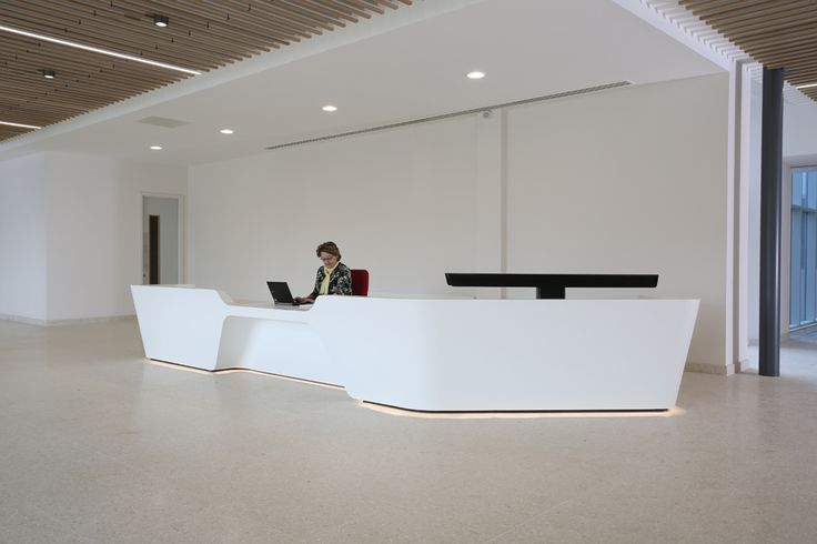 Non Standard Configuration Mono Desk by isomi, selected for project TWI in Cambridge