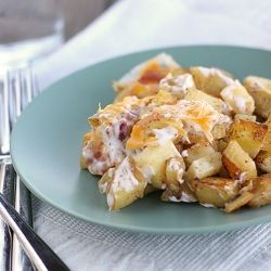 Cheese, ranch, bacon and potatoes - what's not to love? Cheesy Ranch Potato Bake: Chee Bacon Potatoes, Potatoes Recipes, Side Dishes, Chee And Ranch Potatoes, Food, Potatoes Baking, Cheesy Ranch Potatoes, Chee Bacon Ranch Potatoes, Chee Potatoes And Bacon