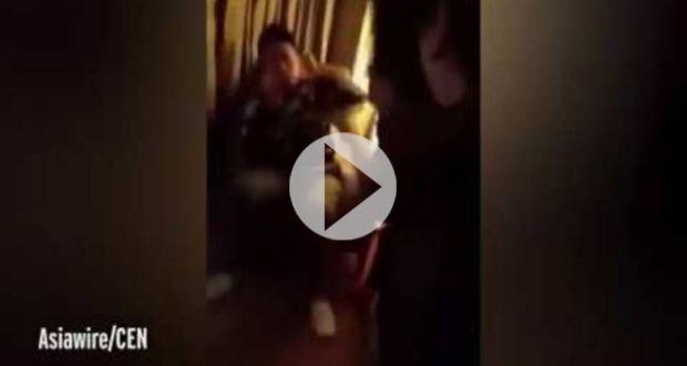 Σύζυγος και πεθερά τον έπιασαν με την ερωμένη και δεν φαντάζεστε τι ακολούθησε! (video)
