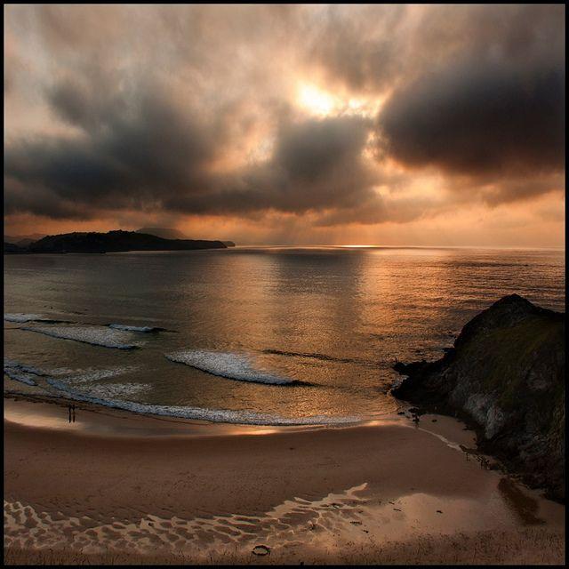 Playa de Gerra - SAN VICENTE DE LA BARQUERA, Cantabria - SPAIN /photograph by © Pilar Azaña, via Flickr