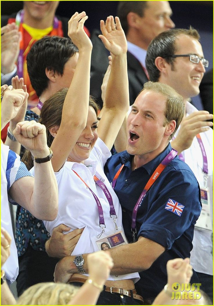 He loves his woman!  And I love that about him!  Duchess Kate & Prince William Celebrate Great Britain's Cycling Win at the Olympics!