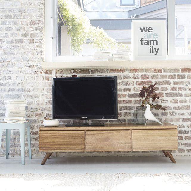Meuble TV en Mindy - Largeur 150 cm - OSLO - 3 portes GARDENANDCO : prix, avis & notation, livraison.  Ligne basse et finition texturée pour le meuble TV OSLO 150 cm. Equipé de 3 portes abattantes, il offre de multiples rangements, toujours à portée de main. Fabriqué en bois de Mindy, le meuble TV OSLO répond à tous les codes de style et de fonctionnalité d'un meuble d'aujourd'hui ! Très actuel et pratique, ce meuble TV peut accueillir tout votre équipement tv et hifi dans un look rétro et…