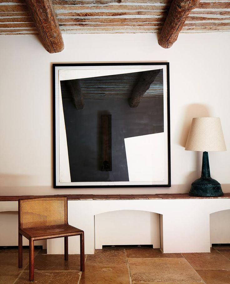 Pierre Yovanovitch: A piece by Richard Nonas in the entry hall.