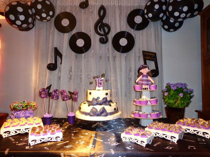 ARTE COM FELTRO: Aniversário 15 Anos Tema Música.
