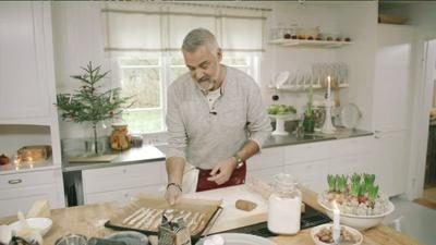 Ernst pepparkasgrissini med parmesan och flingsalt