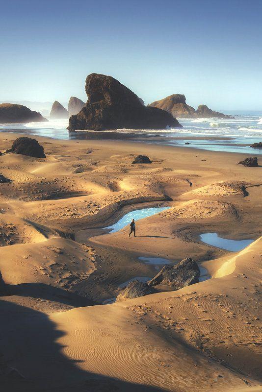Sea stacks at Oregon coast, USA (by Leif Erik Smith)