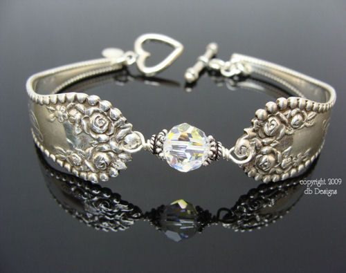I Totally Want To Figure Out How Make A Spoon Bracelet With Some Of My Mother S Old Silverware Gorgeous Icing Jewelry
