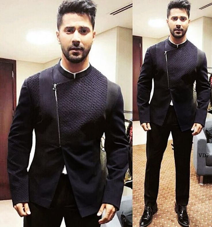 Loving Varun Dhawan in this fantastic #RohitGandhiRahulKhanna look!