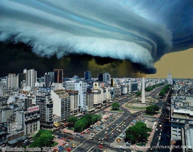 Amazing shelf cloud in Buenos Aires, Argentina. year 2012 photo: Gonzalo Acosta