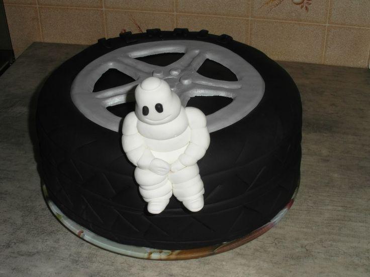 cake pneu anniversaire Michelin (Muriel)