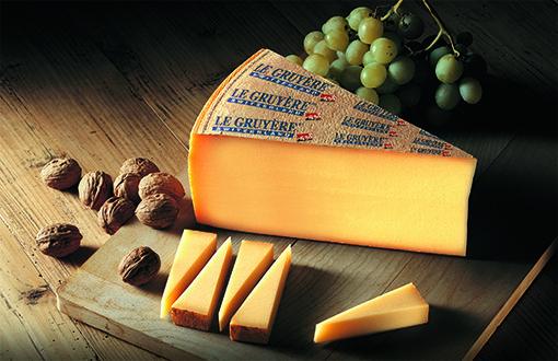 Ningún queso de Suiza puede emplear aditivos para la producción. Por lo tanto, la misma etiqueta de procedencia suiza en un queso es garantía de alimento 100% natural.